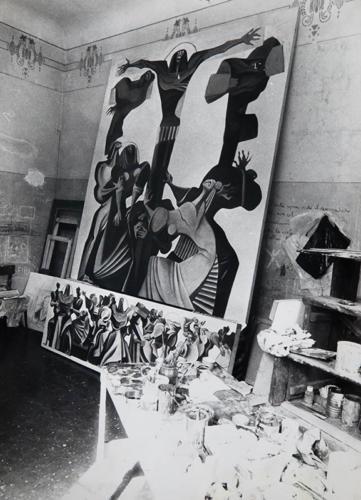 Un angolo dello studio di Corso Mazzini. Si riconoscono la crocifissione e la predella, con via crucis oggi esposti presso Auditorium Carisap di Ascoli Piceno